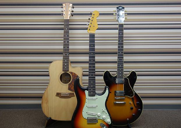 アコギ エレキ ガットギター レッスンできます
